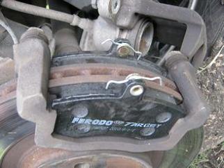 Замена передних тормозных колодок на Приоре 4