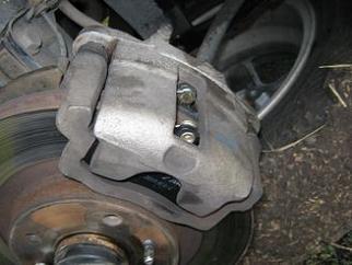 Замена передних тормозных колодок на Приоре 5